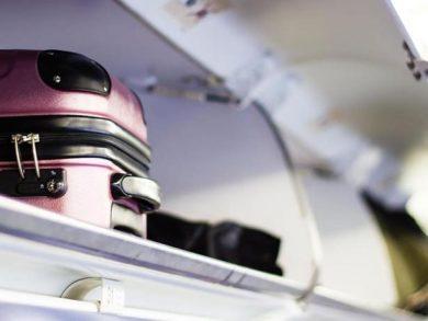Photo of إيطاليا تحظر على ركاب الطائرات استخدام مقصورة الأمتعة فوق المقاعد