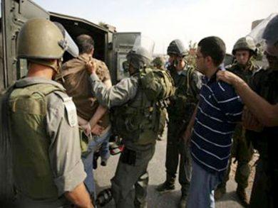 Photo of الاحتلال يعتقل شابين فلسطينيين بالضفة