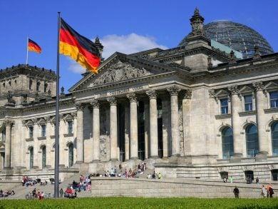 Photo of ألمانيا وفرنسا تستعدان لإغلاق عام جديد وكوفيد يجتاح أوروبا