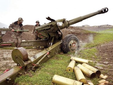 Photo of مقتل 9 جنود بتجدد الاشتباكات بين أرمينيا وأذربيجان