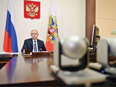 Photo of بوتين يعرض على واشنطن عدم التدخل بالانتخابات