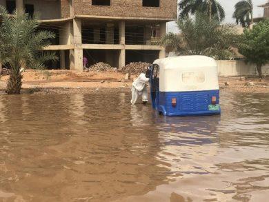 Photo of ارتفاع حصيلة السيول والأمطار في السودان الى 30 قتيلا