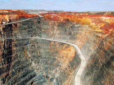Photo of استئناف العمل في أكبر منجم للذهب في العالم