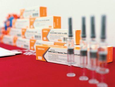 Photo of الصين تأمل بإنتاج 610 ملايين جرعة سنويًا من اللقاحات