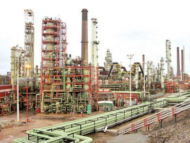 Photo of النفط يهبط 3% ويتجه لأكبر خسارة أسبوعية