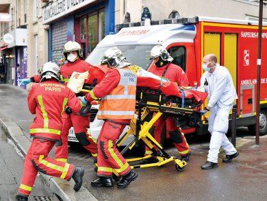 Photo of فرنسا: طعن 4 أشخاص قرب«شارلي إيبدو»