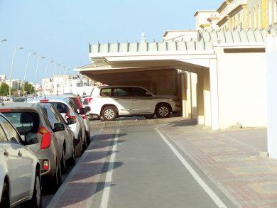 Photo of مسارات الدراجات تحولت إلى مواقف للسيارات