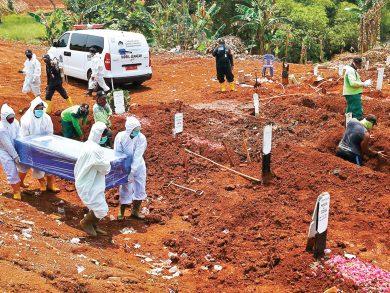 Photo of منظمة الصحة تحذر من تسجيل مليوني وفاة بكورونا