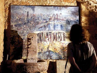 Photo of فنانون يُحولون الغضب من انفجار المرفأ لأعمال فنية