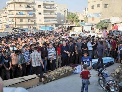 Photo of مقتل 56 شخصًا بقصف روسي على إدلب