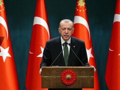 Photo of الرئيس التركي يعلن بدء عودة الحياة إلى طبيعتها