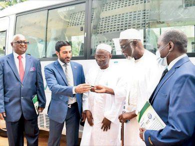 Photo of سفارتنا تسلم جامعة أفريقيا الإسلامية دعمًا قطريًا