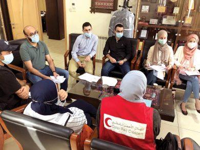 Photo of 10 أطباء فلسطينيين يستفيدون من برنامج المنح الطبية الأميرية