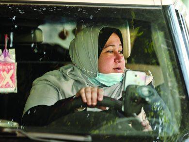 Photo of أول سائقة سيارة أجرة مخصصة للنساء في غزة