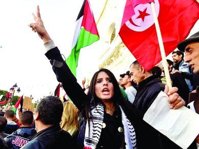 Photo of غضب عربي وإسلامي واسع من قرار الإمارات وقف التأشيرات