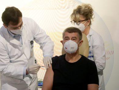 Photo of أوروبا تدشن برنامج تطعيم في مسعى للقضاء على الجائحة