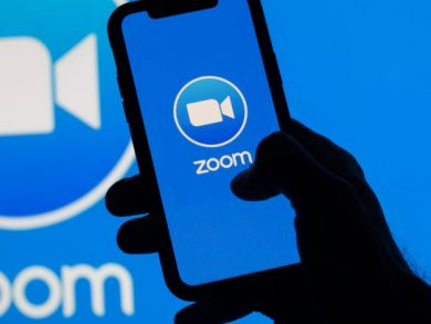Photo of zoom يرفع القيود عن طول المكالمات خلال فترة العطلات
