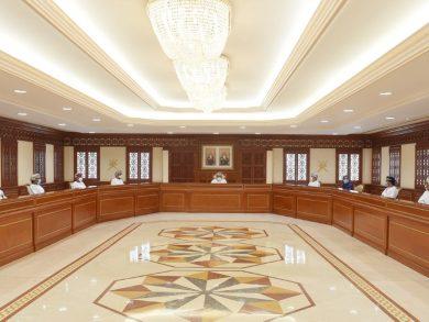 Photo of سلطنة عمان تحظر إقامة المناسبات الجماعية والمؤتمرات
