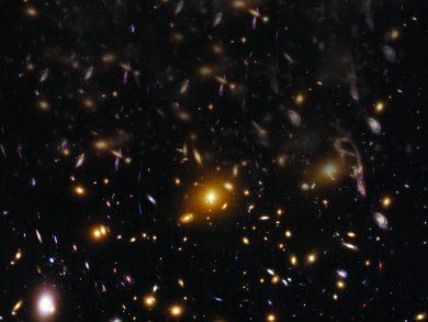 Photo of «هابل» يكشف عن الضوء الملتوي للمجرّات