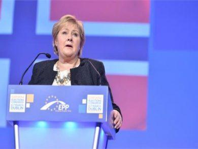 Photo of رئيسة الوزراء : النرويج ستغلق حدودها أمام الجميع عدا الزيارات الضرورية
