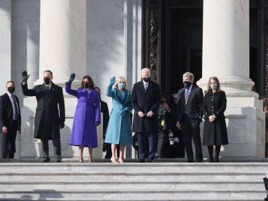 Photo of بايدن يصل إلى مبنى الكابيتول للتنصيب