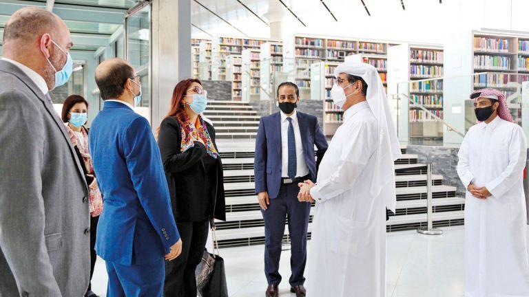 Photo of رئيس مكتبة قطر الوطنية يلتقي وزيرة التعليم العالي التونسية