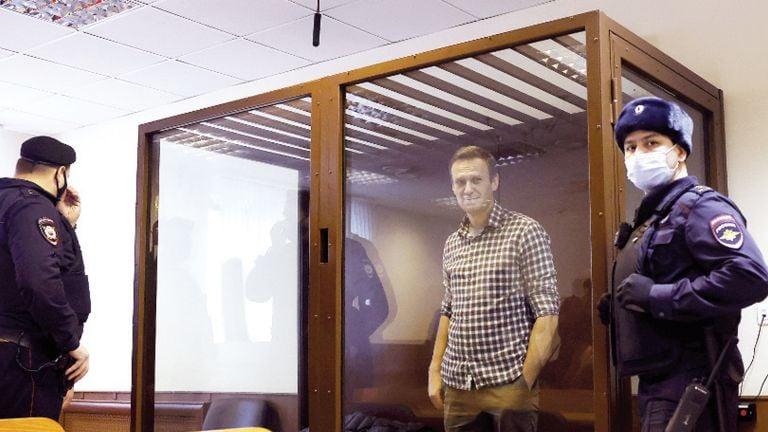 Photo of عقوبات أمريكية أوروبية على مسؤولين روس بسبب نافالني